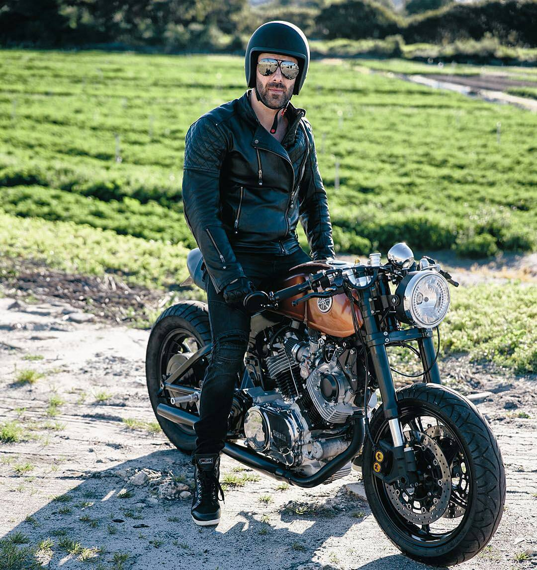 By Style & Ride - 1982 Yamaha XV1000 from Ace Adriano via Throttleroll @throttleroll 📷 Pete Cagnacci @petecagnacci .  #caferacer #caferacers #caferacersofinstagram #caferacersculture #caferacerbuilds #vintage #vintagestyle #vintagefashion #motocycle #moto #motos #motorcycles #oldstyle #oldschool #bratstyle #motorbike #motor #helmet