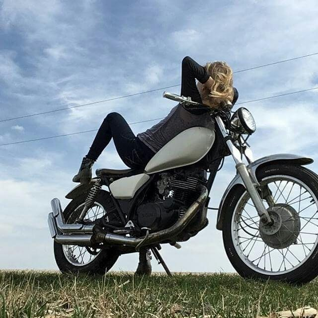 By @thegirlandherbike ... #Sunshine and a back road - chilaxing on my 1982 #Yamaha 250cc . #caferacer #caferacers #caferacerstyle #caferacersculture #caferacerbuilds #vintage #vintagestyle #vintagefashion #motocycle #moto #motos #motorcycles #oldstyle #oldschool #bratstyle #motorbike #motor #helmet