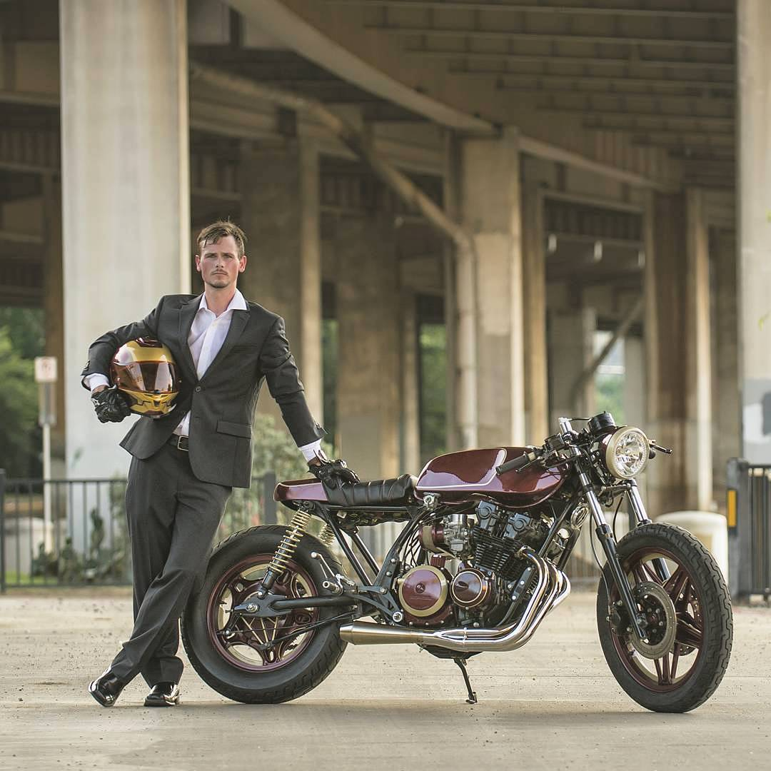 By @heroicmotorcycles / This bike deserves to be ridden with a suit on. Photo: @lovepiclove
