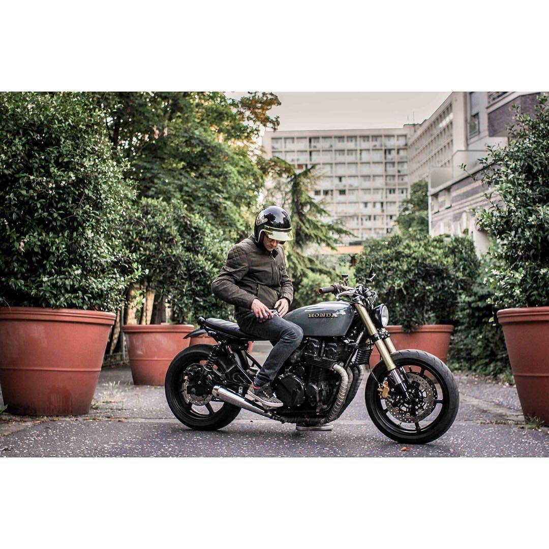 @fliflac On his Bike 🏍 📷 @4h10