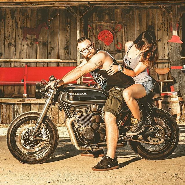 @superliza and @oldskooltuner on his Honda CB 650