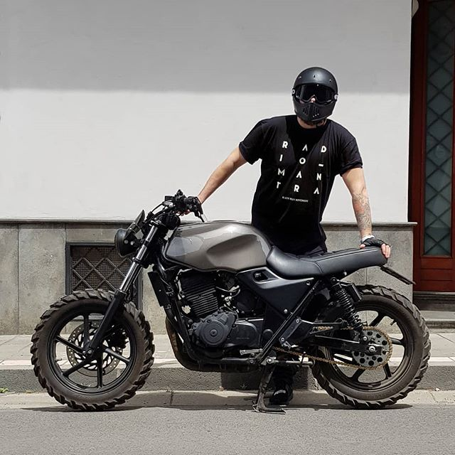 @francesco_paura with his Honda Scrambler by Custom Workshop @angelolowcaliendo